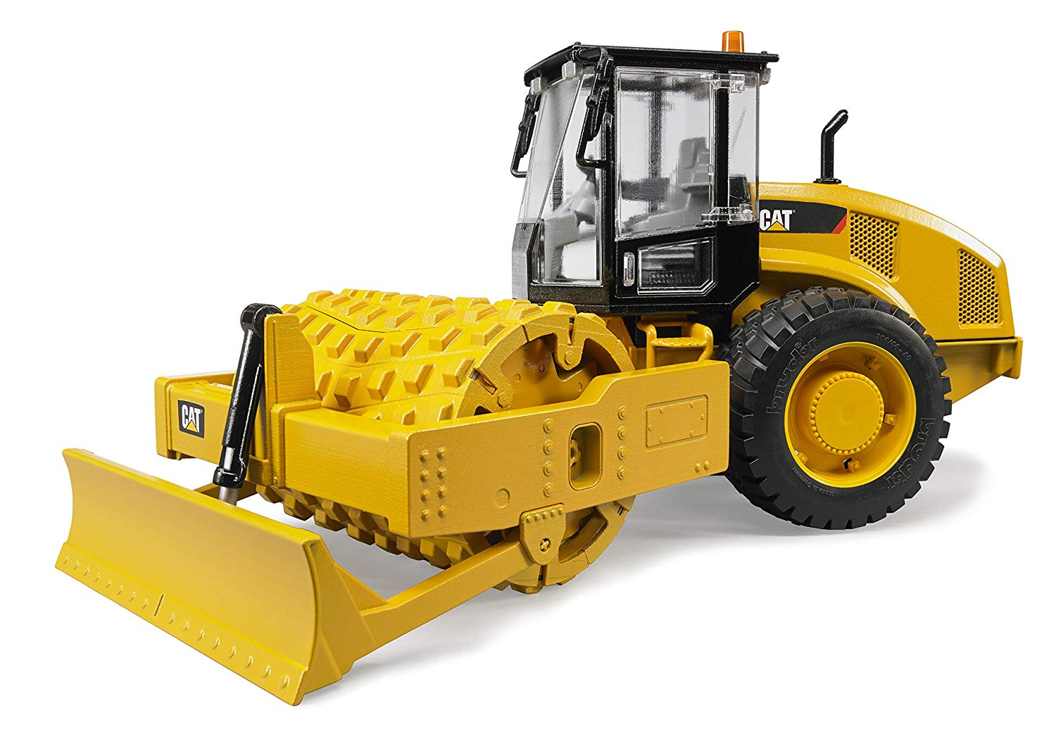 Уплотнитель почвы (CAT Vibratory Soil Compactor with Leveling Blade)
